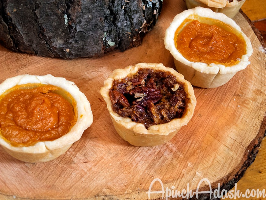 Individual Mini Pies for Thanksgiving : Pumpkin Pie and Pecan Pie