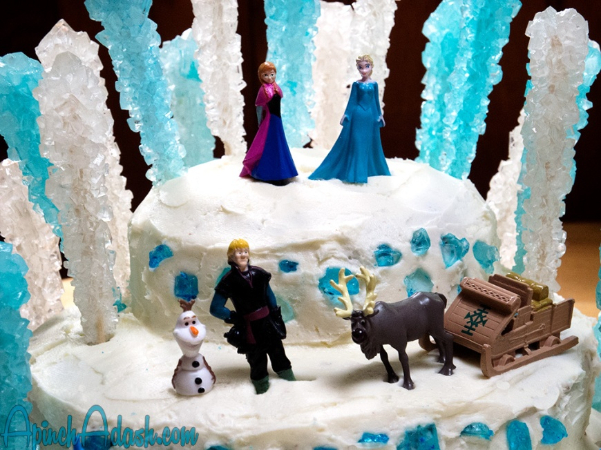 Frozen Disney Cake apinchadash.com